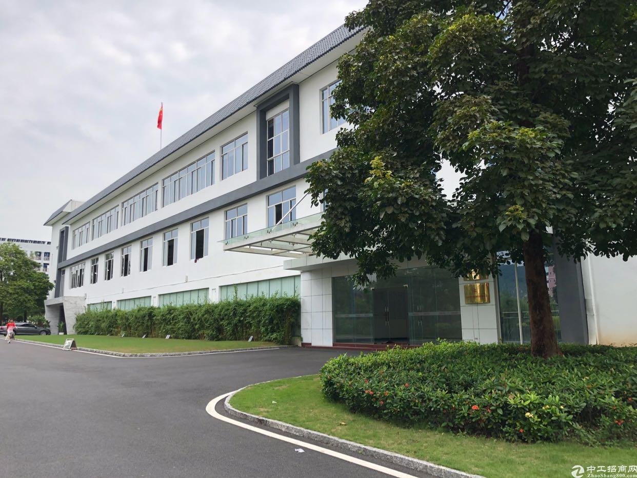 宝安石岩桃花源补贴厂房出租5600平可分租