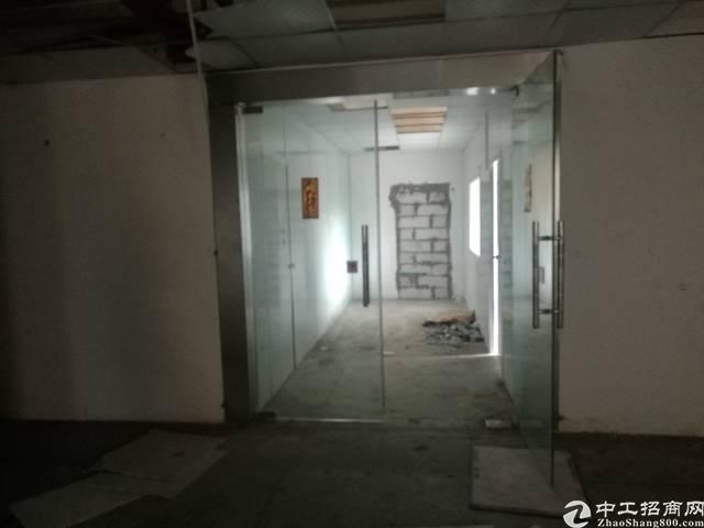大岭山镇南区新空出标准厂房2楼,1000平