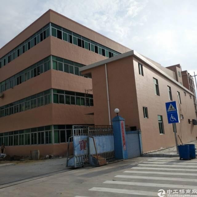 大岭山镇标准厂房楼上二楼3200平带装修出租