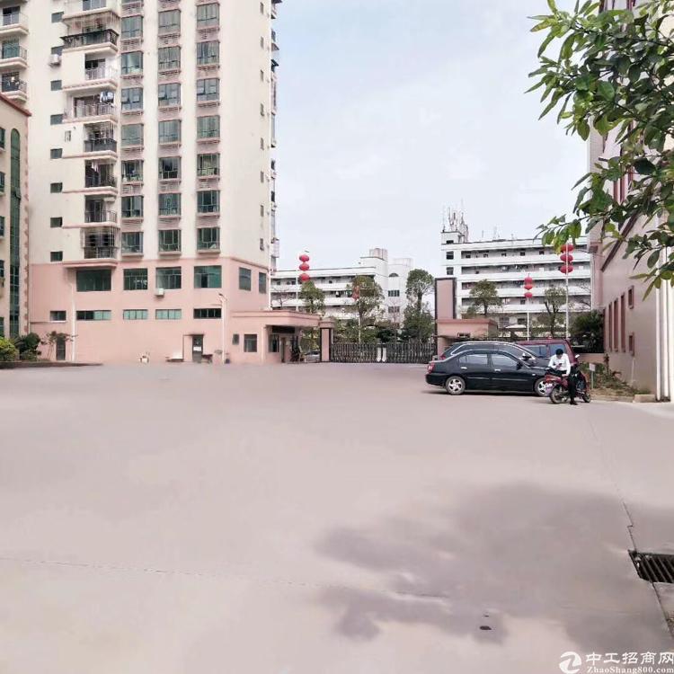 公明南光高速出口大型园区三楼四楼各3320平米可分租