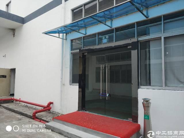 福永沿江高速口一楼1100平米注塑模具厂房出租有行车-图2