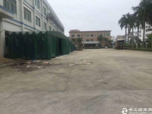 龙岗坪地中心村独栋厂房8600平,带装修可分租