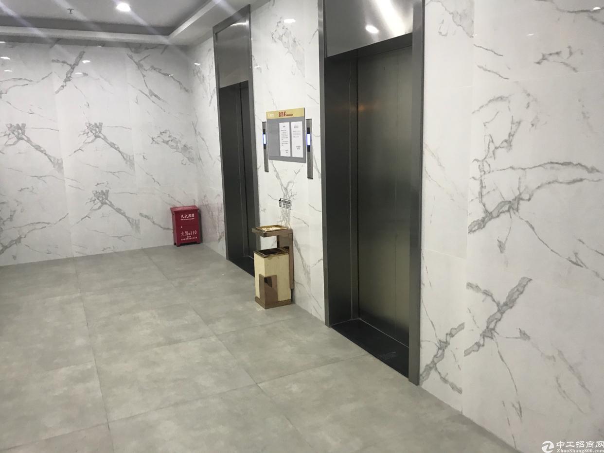 布吉丹竹头地铁站小办公室出租75平起