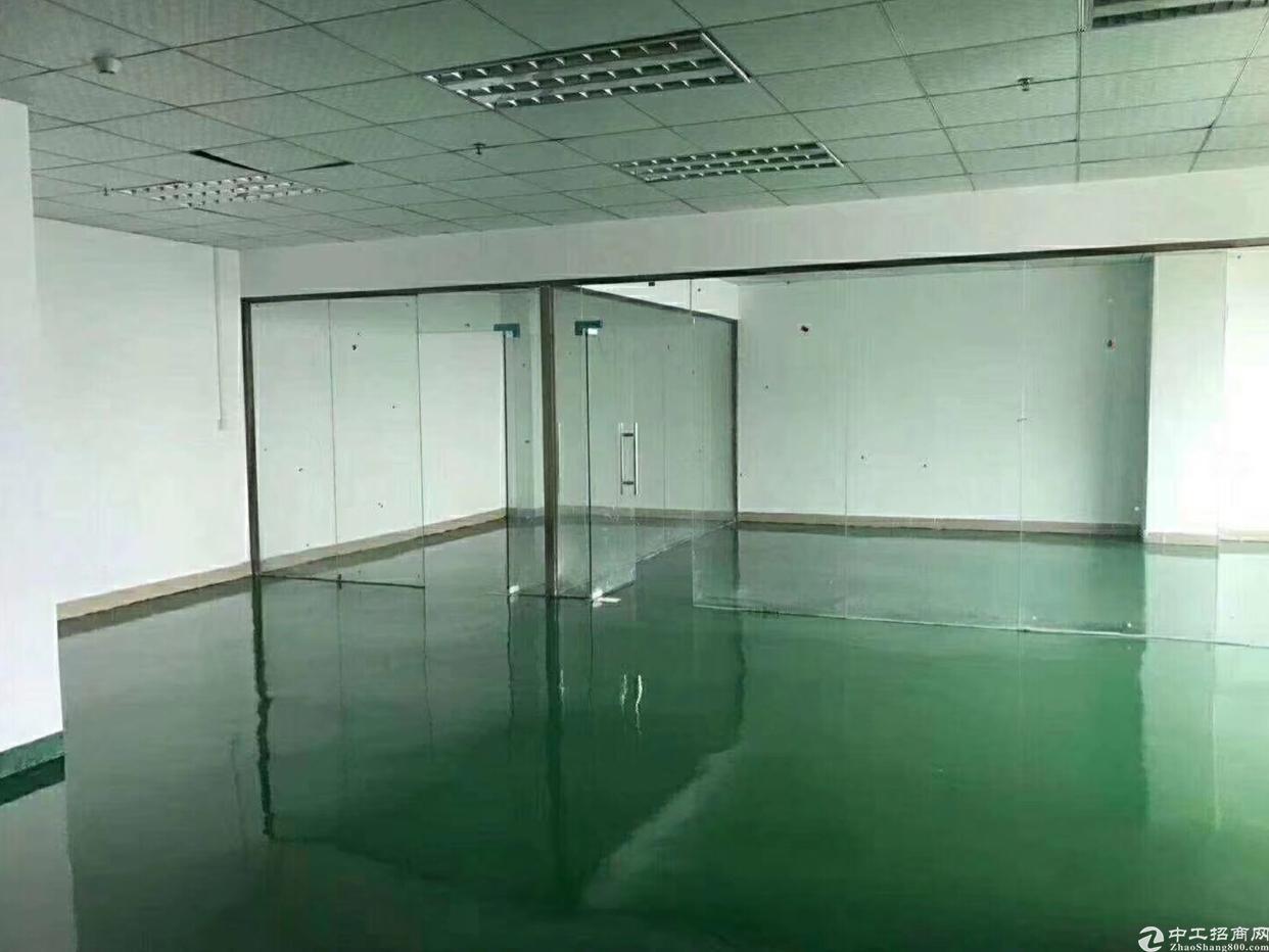 沙井地铁口附近带装修写字楼385平方出租
