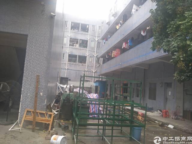 光明新区上村十月份空出原房东两层半3000平方厂房出租