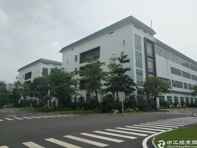 西丽百旺信科技园楼上整层带装修4700平方厂房出租