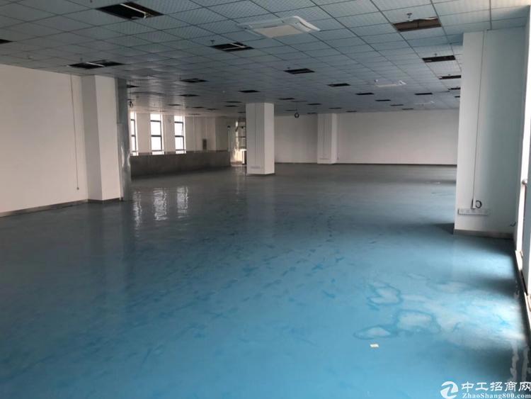 坪山大工业区500平米楼上厂房带装修25元出租