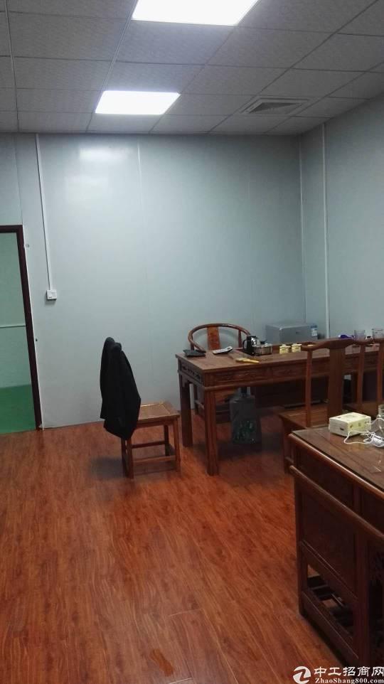 石岩石龙仔工业区厂房出租640平带家具办公桌精装修