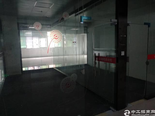 龙胜地铁站附近新出带装修可分小面积