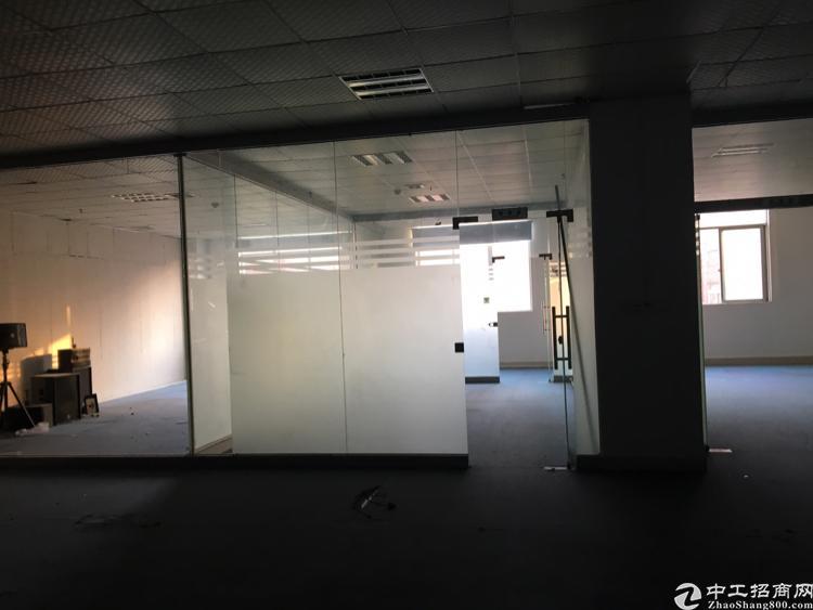 塘尾地铁口精装修写字楼170平米带办公家私
