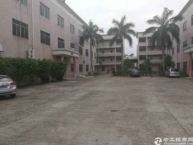 龙岗新出独门独院原房东实际面积出租厂房2,3楼每层1700平