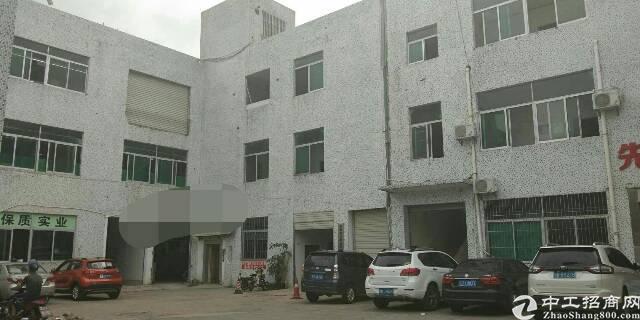 石岩汽车站附近新出楼上400平带装修