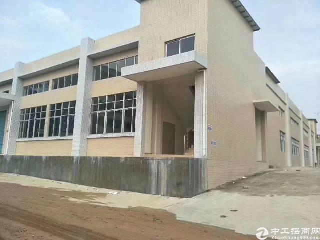 石岩一楼5000平米6.5米高独院厂房出租