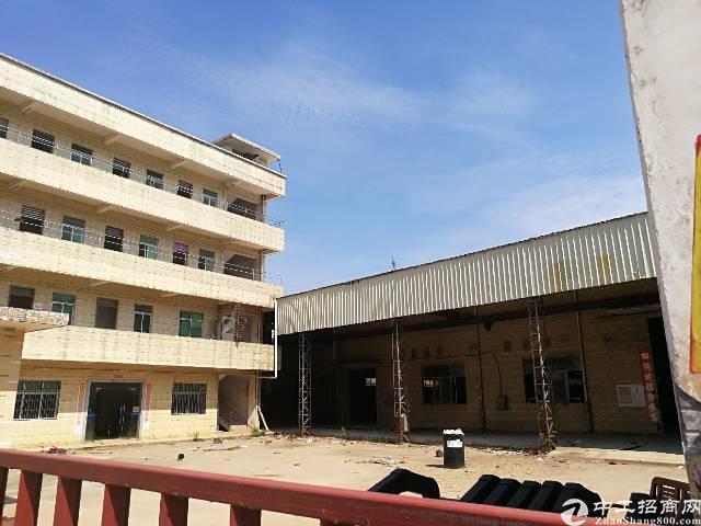 钢结构独门独院5500平,价格优惠,有办公室,宿舍
