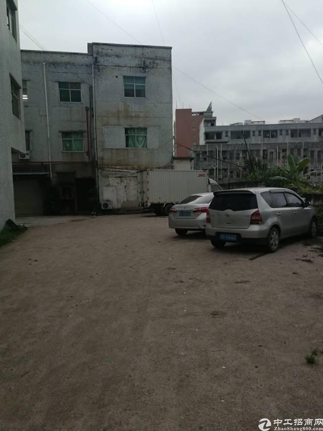 凤岗镇三联新出独门独院带办公室标准厂房3楼400平