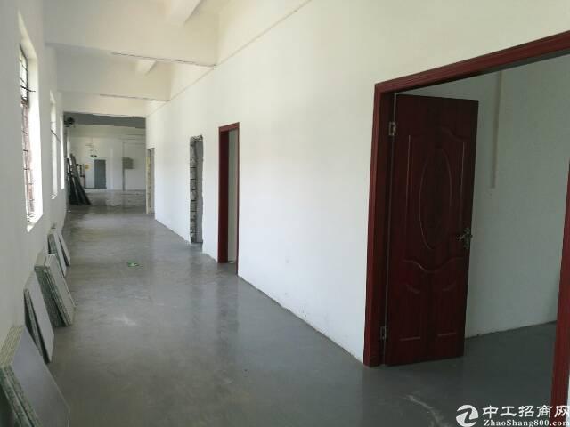 坑梓 金沙新出楼上700平精装修厂房 带办公室