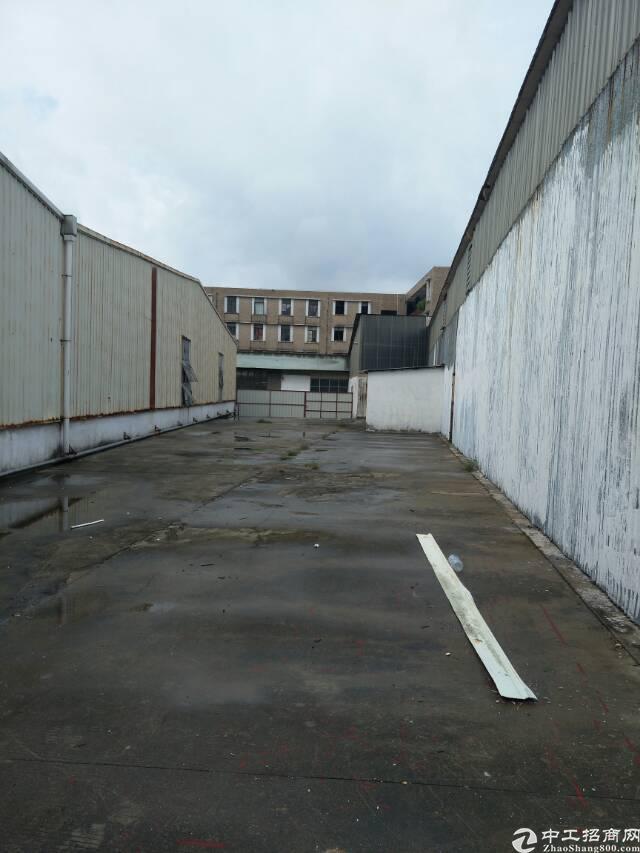 企石镇单一层独院厂房4500平方