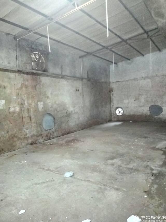 坪山六联社区700平铁皮房