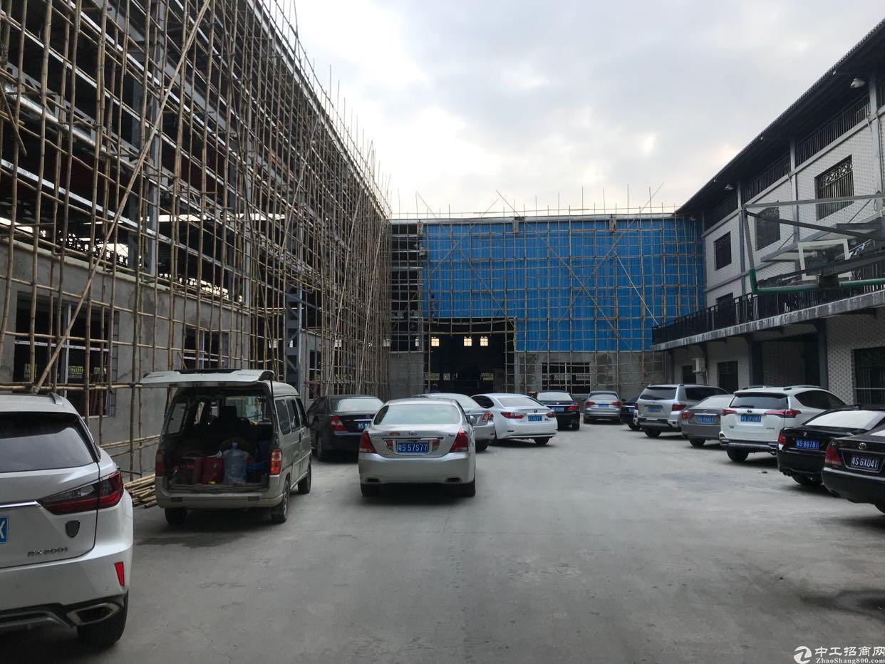 虎门赤岗5000方高8米钢构,宿舍配套齐全。
