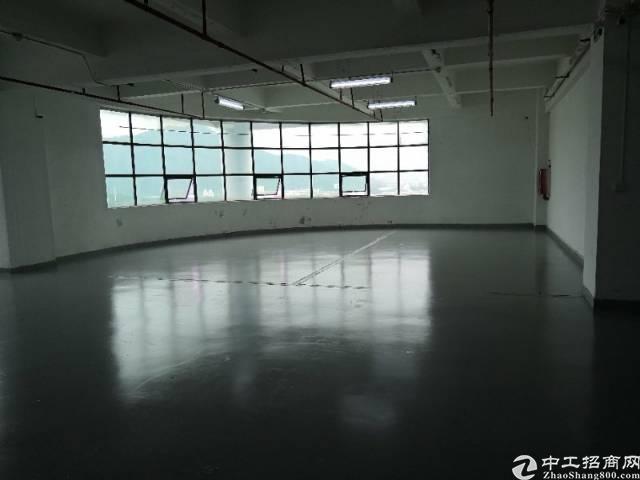 福永怀德机场附近新出楼上500平米带装修厂房