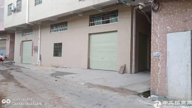 大岭山杨屋路边铺位出租,面积380平方,三个铺位