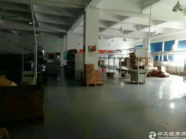 福永宝安大道地铁口处三楼1450平大型工业园有装修