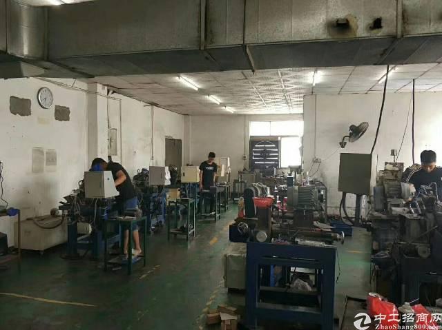 福永桥头地铁口楼上1000平方精装修转让