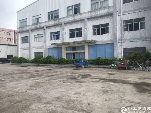 黄江镇花园式厂房,临近深圳,交通方便,精装修。