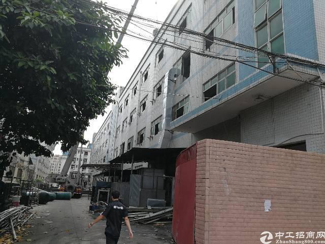 红本厂房位于公明镇长圳村16400平方厂房出租