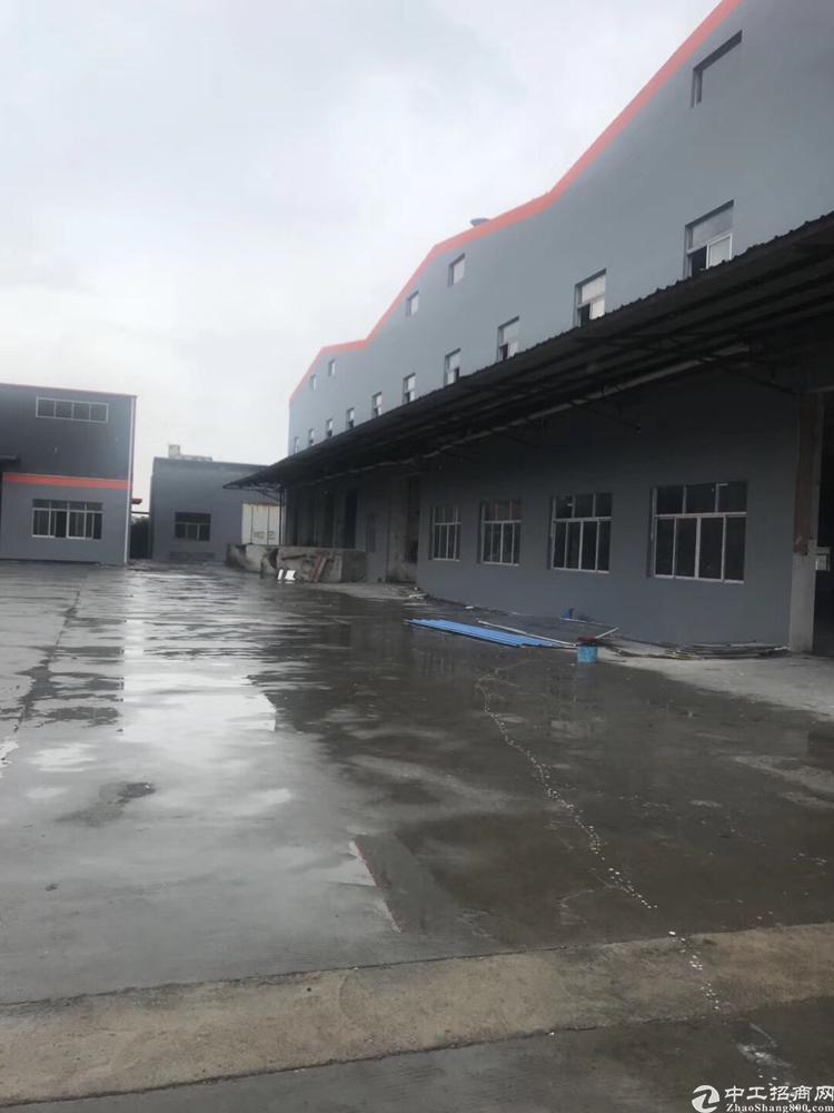 大岭山莞深高速新出厂房20000平大小可分租适合各种行业