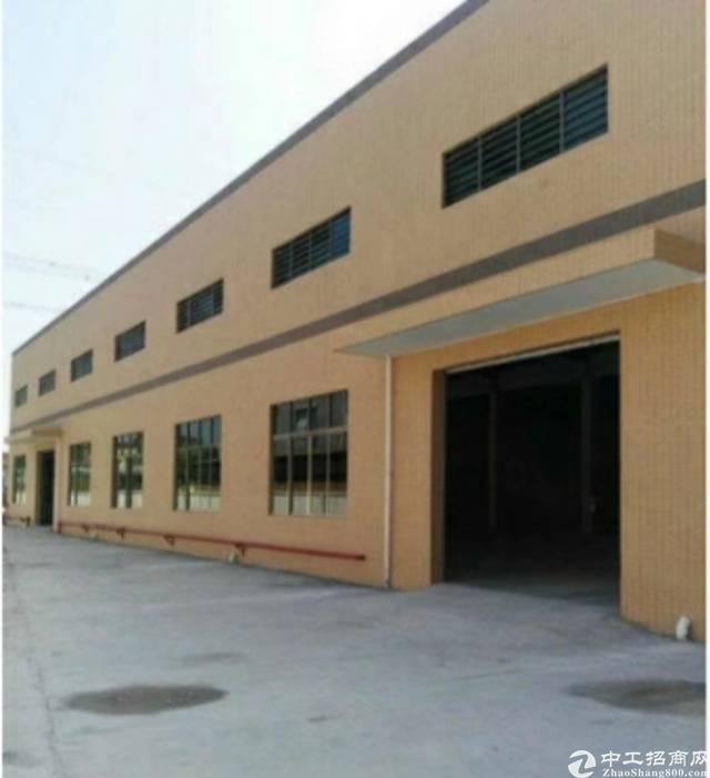 新空出砖墙到顶单一层厂房7200平  高12 带隔热层