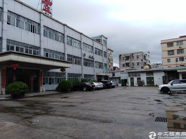 横岗大康原房东工业园厂房2楼1600平方米招租