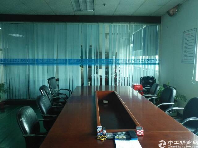 福永凤凰新出原房东2楼整层3000平方带装修电子厂房