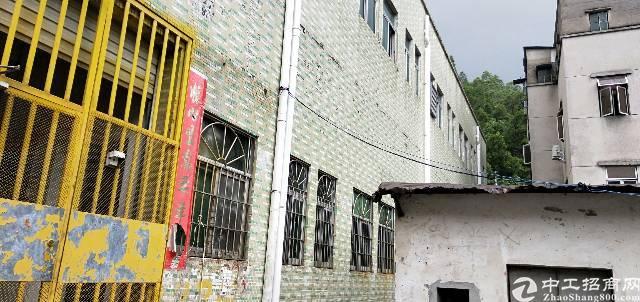 平湖鹅公岭两层小独院1350平方厂房出租