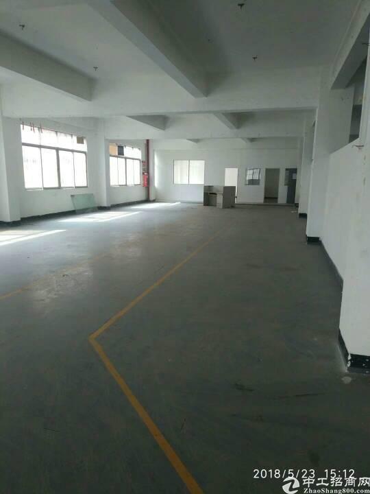 平湖汽车站附近一楼200平方厂房出租