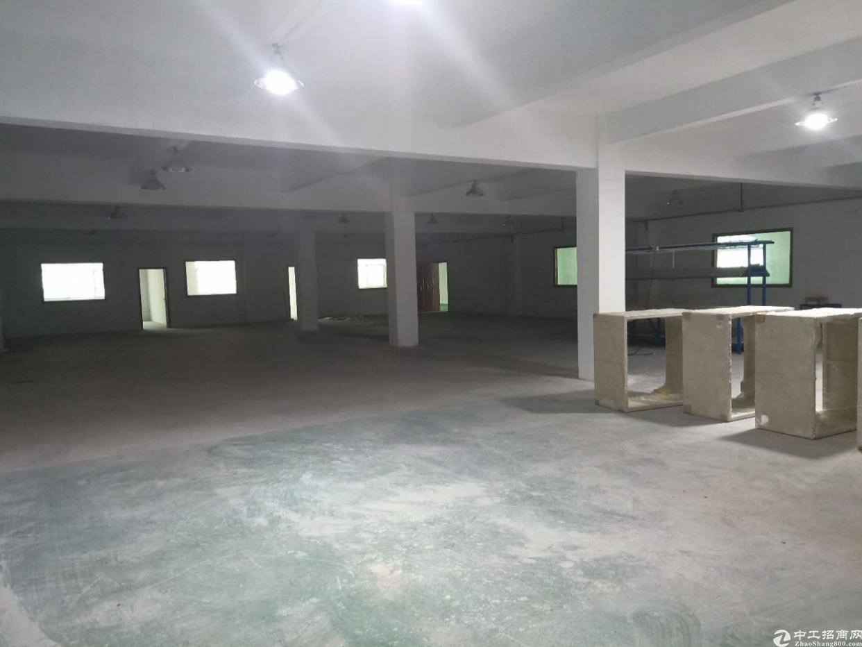 万江107国道边新出园区二楼厂房出租,交通便利!