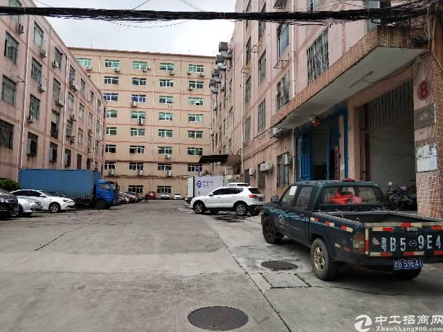 石岩水田外环工业区楼上带装修300厂房招租