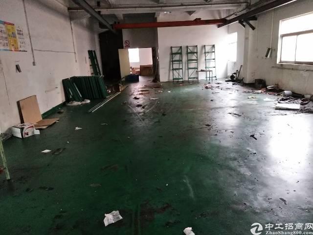 龙岗南联新出厂房一楼1300平现成行车厂房招租。-图2