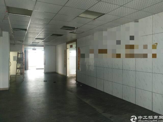 福永桥头宝安大道边新出楼上整层1600平方带豪华装修厂房