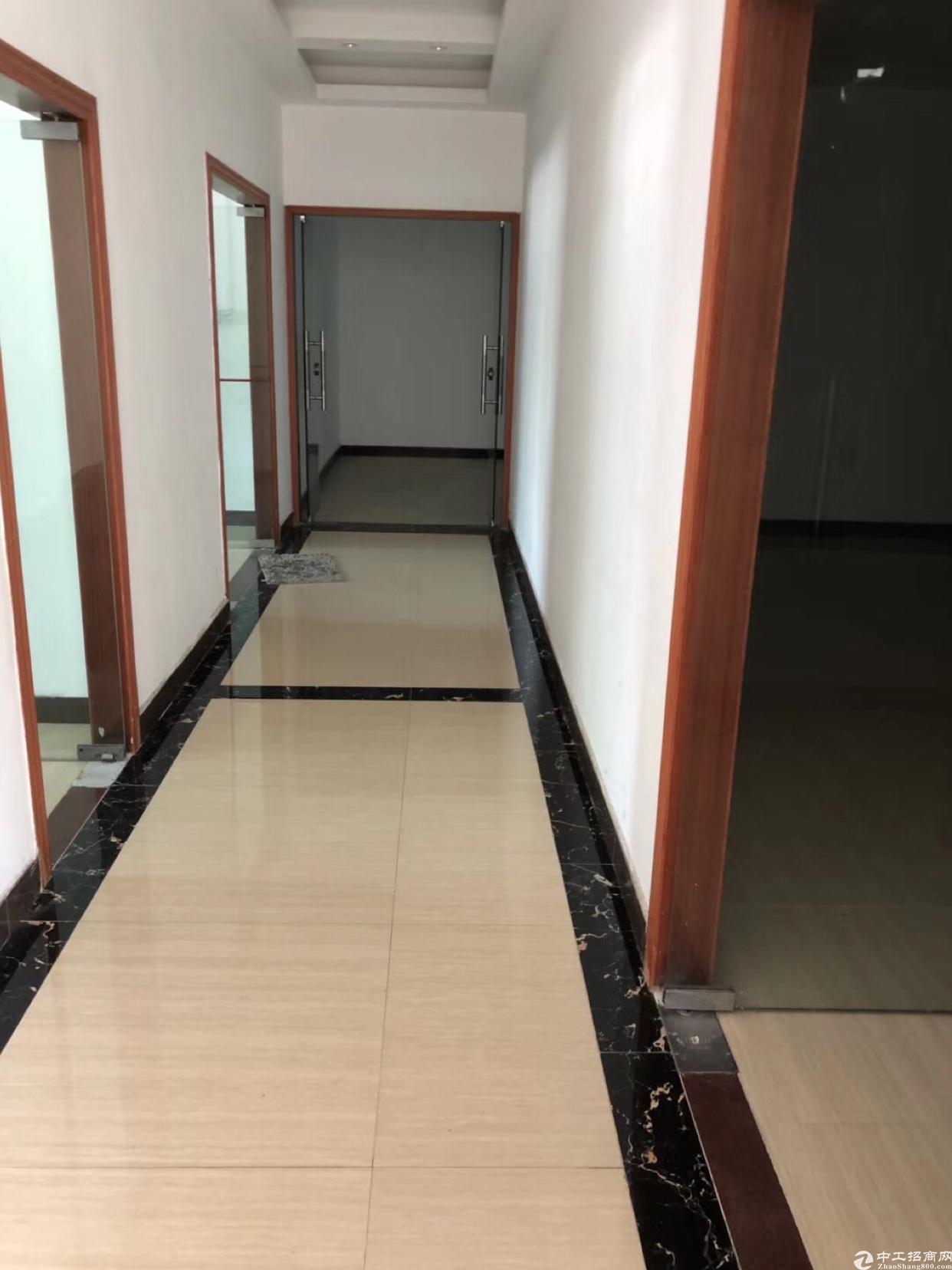 二楼800平方米带地坪漆厂房出租