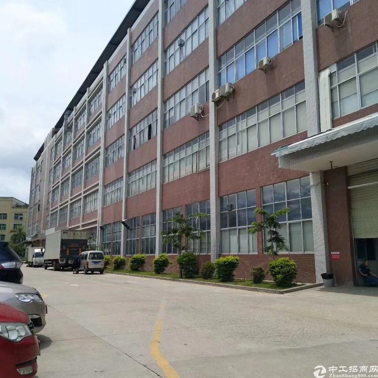 西丽松柏路边新出楼上5000平厂房出租