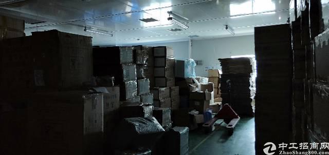 平湖华南城旁边新出楼上280平方带装修厂房出租