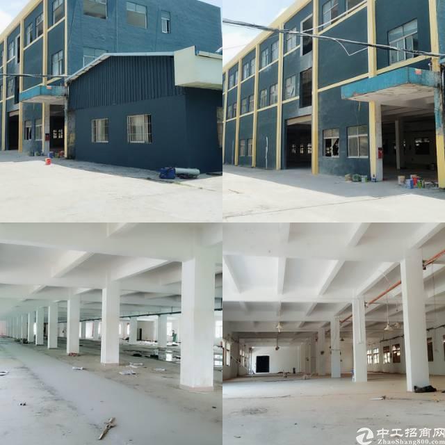 松岗地铁口边新出独院厂房1-3层3900平米