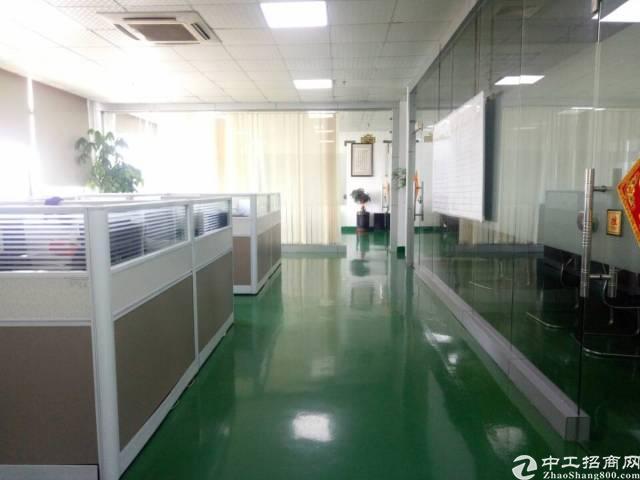公明南光高速出口新出2500平方精装修无尘车间出租!
