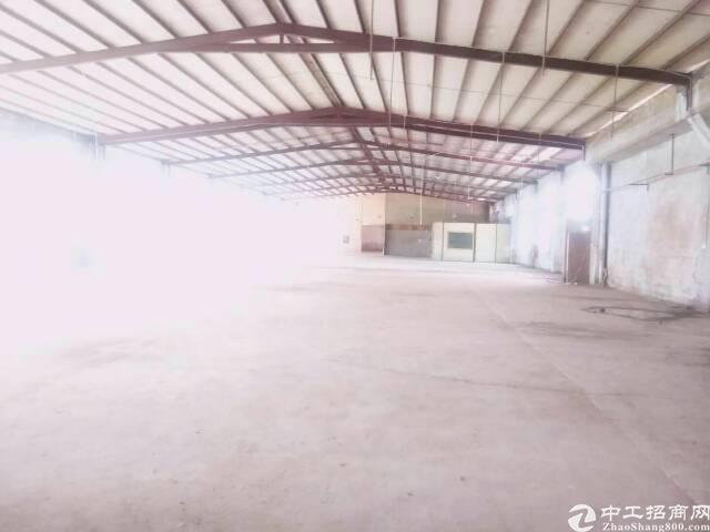 坪地六联新出2100平独院钢构厂房滴水8米低价出租
