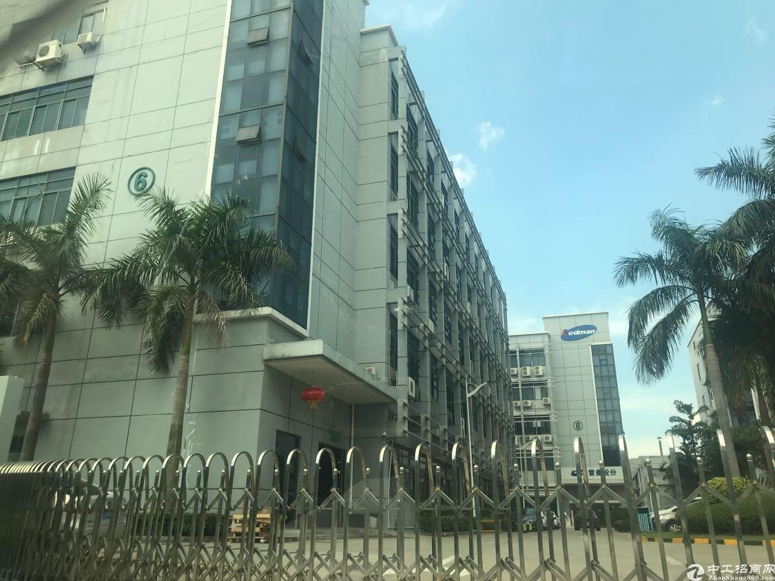 塘头第三工业区新出楼上一整层3200平方厂房出租