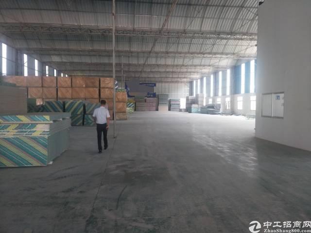 凤岗镇广源物流附近 新出一楼3200平方高度8米