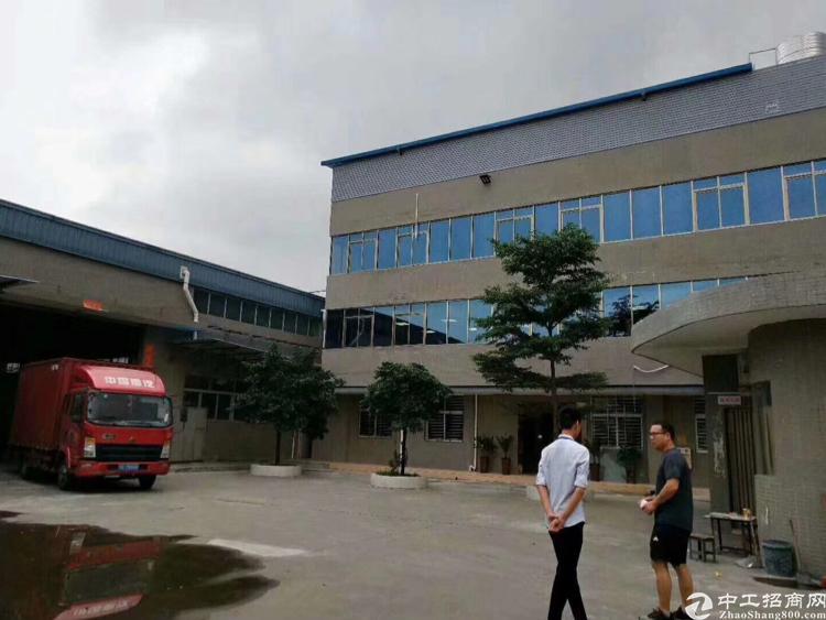 松岗宝安大道边新出原房东厂房单一层2040平方 带独立办公楼