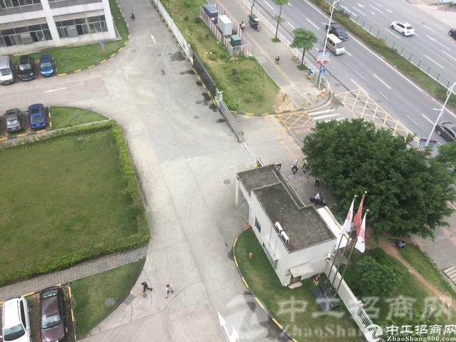 观澜五和大道旁,原房东厂房,770平方,带精装修