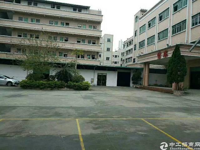沙井新玉路附近新出楼上1280平方带精装修厂房